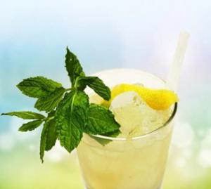 Cocktails für den Frühling