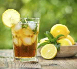 Sommer, Sonnenschein und leckere Cocktails