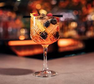 Cocktail-Feuerwerk: köstliche Silvesterbowlen