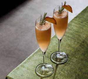 Leckere Silvester-Cocktails für eine gelungene Party
